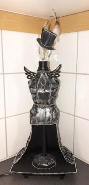 Lampe laget av Liselott, Sverige