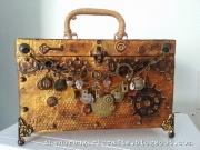 Koffert laget av Sari, Sverige